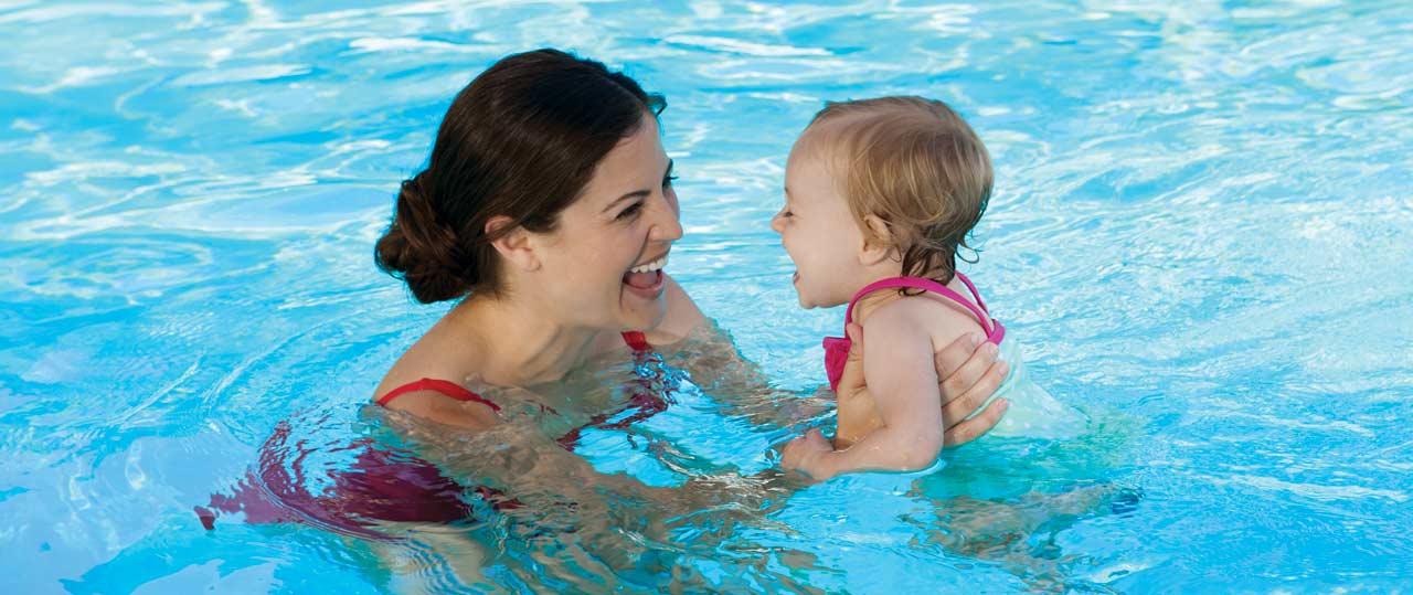 Piscina esercizi di stile for Attrezzi per piscina